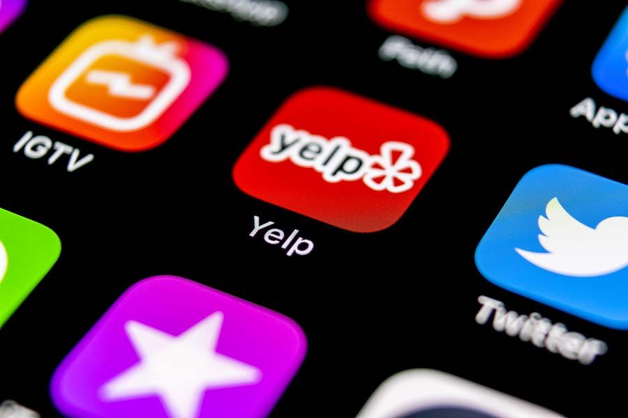 Using Foursquare and Yelp for Social Media Marketing